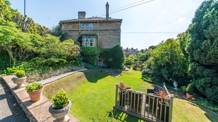 Oldfields House provides a perfect home-from-home atmosphere in Bath