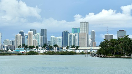 See and do as much as possible on your Florida vacation with a stay at a budget-friendly hotel
