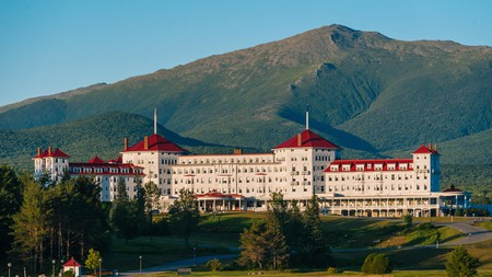 The Omni Mount Washington Resort is an excellent place to stay, no matter the time of year