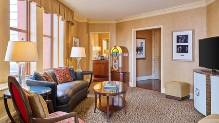 Make your trip to the beautiful landscapes of Colorado all the more romantic with a special hotel stay made for two
