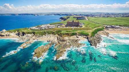 Get special treatment and some serious rest and relaxation at these sigh-worthy stays in Cornwall