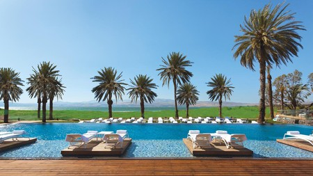 The main pool at the Setai Sea of Galilee is set within beautiful scenery