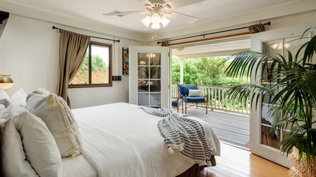 For a more personal touch on Hawaii's second-largest island, opt for a cozy bed and breakfast