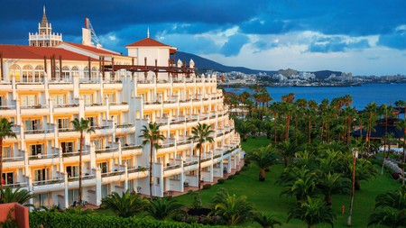 Hotel Riu Palace Tenerife has a sprawling footprint and loads of refined features