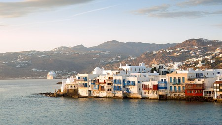 Discover the beaches, traditional villages and delicious food like a local at our selection of the most authentic local hotels in Mykonos