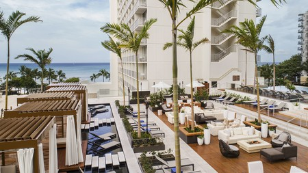Renovated in 2018, the Alohilani Resort Waikiki Beach hotel is all about the wow factor