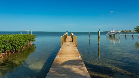 If you are after peace and privacy, stay at the Atlantic Bay Resort in Key Largo, Florida