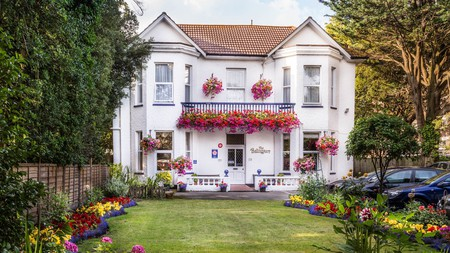 Balincourt Hotel and Guest House between Boscombe and Bournemouth Piers is a restored Victorian era hotel offering a warm welcome to visitors, and an ample breakfast