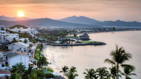 Take advantage of the vast stretches of beach in Manzanillo