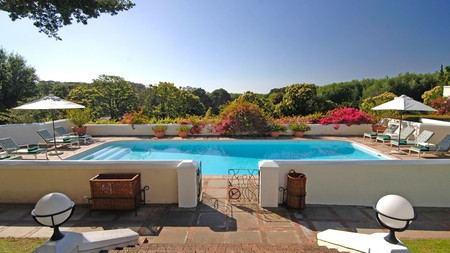 From hotels with expansive spas in the city centre to 17th-century farms on the outskirts, Cape Town is full of luxury places to stay