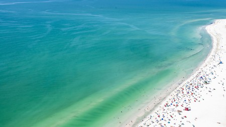 Take your relaxation to the max with a stay at one of the best resorts in Sarasota