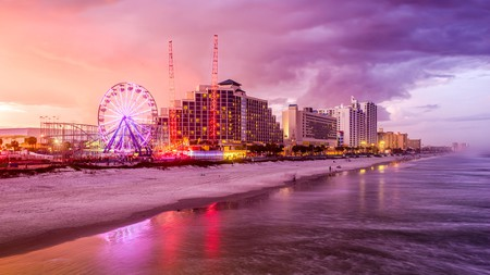 If you love the beach, Daytona Beach is an excellent place to visit and has a hotel to suit everyone