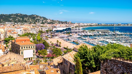 Live like a film star and experience the glamour of a stay in Cannes, the heart of the Côte d'Azur