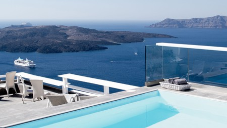 There's no better way to appreciate the panoramic natural beauty of Santorini than from a pool with a view
