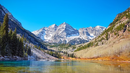 The glorious Maroon Bells Mountain Lake in Aspen, Colorado, is a revitalising sight