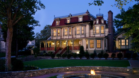 Stunning scenery and historic buildings await visitors to New England.