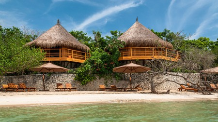 Experience barefoot luxury and Caribbean views at this mangrove-nestled resort