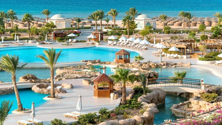 Kempinski Hotel Soma Bay is a perfect example of the relaxing splendour Egypt's resorts have to offer