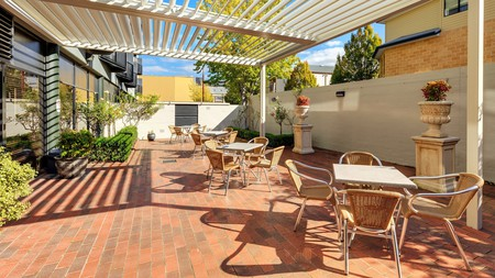 Immerse yourself in the culture of Tasmania by staying at a premier apartment in Hobart