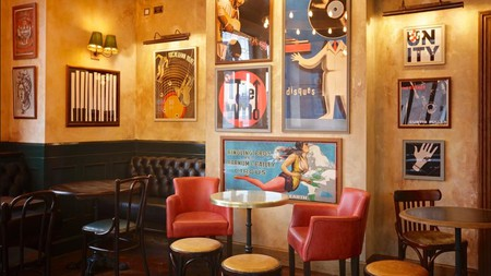 The Bedford Balham is a lively gastropub with tastefully decorated rooms