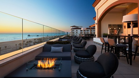The Waterfront Beach Resort has beautiful views over the Pacific in Huntington Beach