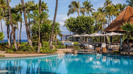 Get the best of both worlds with independent digs in Maui boasting all the amenities of the big resorts