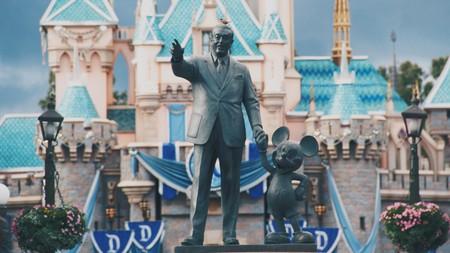 Anaheim has many fun-filled resorts that will put you near Disneyland