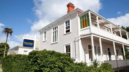 Offering a local touch, Verandahs Backpackers Lodge in Western Park is one the best hostels in Auckland, New Zealand