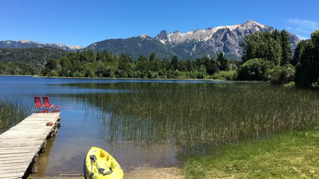 A picture-perfect lake and mountain vista await