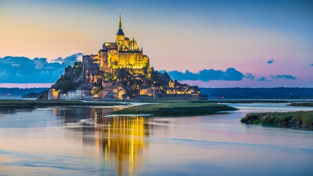Spend a few days discovering Mont-Saint-Michel and the beautiful countryside surrounding it