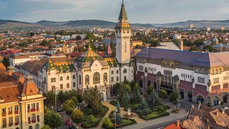 Enjoy the unspoilt hostory of Târgu Mures, the forgotten gem of Transylvania