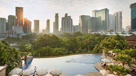 Take an early-morning dip at the Mandarin Oriental