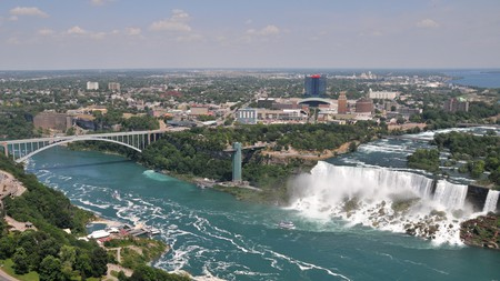 Discover the best places to stay while exploring the beautiful Niagara Falls region