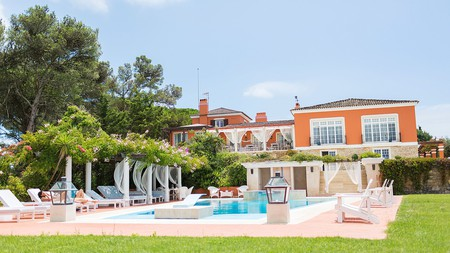 The pool and gardens at the Quinta do Tagus
