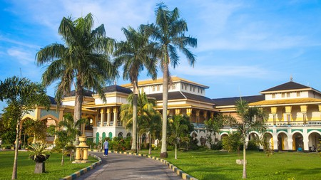 Visit the Maimoon Palace, a well-known landmark and museum, while in Medan