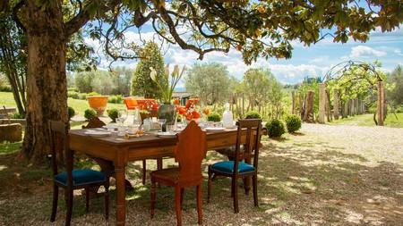 Dine al fresco at the Hotel Certosa di Maggiano