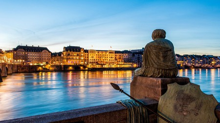 Les Trois Rois overlooks the Rhine, where you can soak up the cultural attractions of Basel