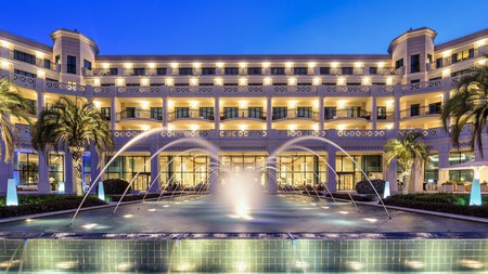 Step into a world of old-school glamour and glitz at the Hotel Las Arenas Balneario Resort