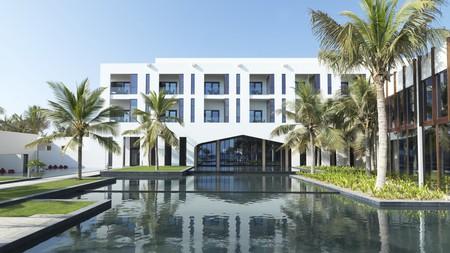 The Al Baleed Resort in Salalah lies between a beach and a stunning freshwater lagoon