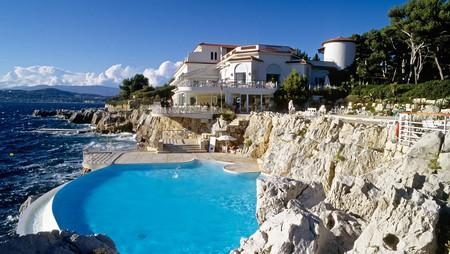 Restaurant pavilion and swimming pool of the Hotel du Cap Eden Roc, Antibes, Cote d'Azur