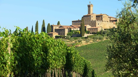 From lakeside to hilltop, you can feel like royalty on your holiday with a stay in one of Italy's castles