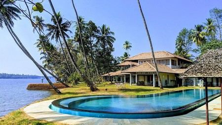 From mountaintop hideaway to beachside resort, your choice of hotel in Kerala is as rich as the tea grown locally