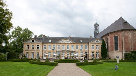 Among the best wellness retreats found in the Netherlands, Château St Gerlach draws inspiration from across the world for its treatments