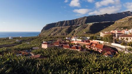 You'll find sea and mountain views at the Hotel Hacienda de Abajo in Tazacorte, La Palma