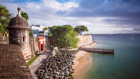 You can enjoy the pretty Puerto Rican coast without spending a fortune