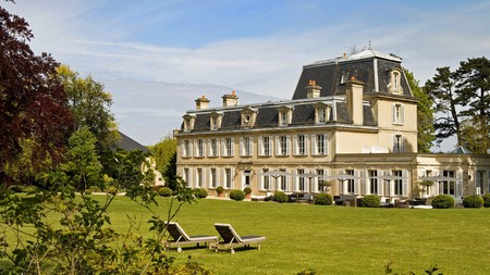 Château La Chenevière is one of the guesthouses in Normandy with its own historical allure