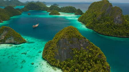 Escaping to a remote island in Raja Ampat doesn't prevent you from pampering yourself with a stay at a luxury hotel