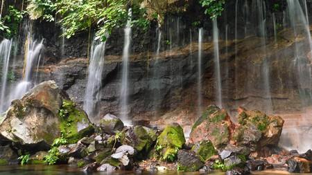 The Chorros de la Calera waterfalls lie close the La Ruta de las Flores (Flower Route) in El Salvador