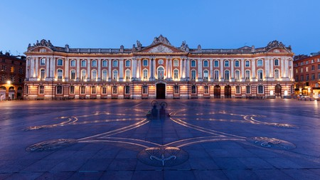 The Capitole de Toulouse, home to the city's theatre and one of its iconic squares, at evening