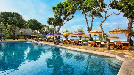 The Oberoi Beach Resort is just a few short steps from the shoreline